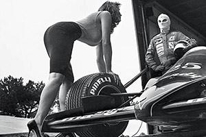 Il Calendario Pirelli 2014 è stato scattato da Newton nel 1986: ecco le foto