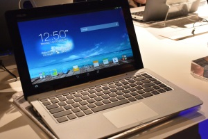 Il notebook 4-in-1 di Asus