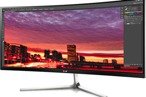 "LG 34UC97: foto del monitor curvo UltraWide da 34"""