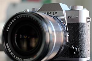Fujifilm X-T10: eccola dal vivo in nero e argento
