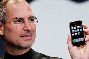 La storia di Steve Jobs che salva Apple dal disastro