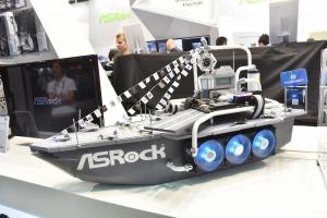 Da ASRock il PC a forma di portaerei