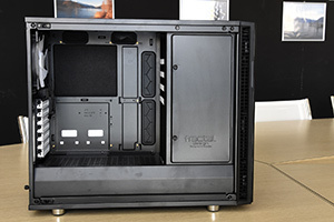 Fractal Design Define R6: interni
