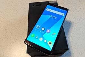 DOOGEE MIX 2: le foto dello smartphone