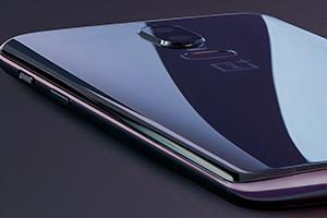 OnePlus 6: foto ufficiali in Mirror Black