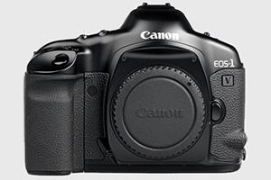 Canon EOS-1V: in pensione anche l'ultima reflex a pellicola Canon