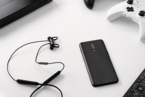 OnePlus 6T: le immagini ufficiali del nuovo smartphone