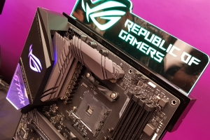 Asus: chipset AMD X570, un concept futuristico e la scheda madre per il 30° anniversario