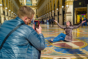 Leica Q2: street photography in centro a Milano