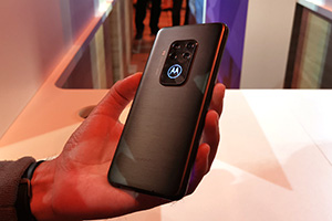 Motorola One Zoom e moto e6 plus: foto dal vivo