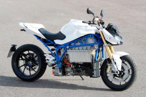 BMW presenta il prototipo della sua prima moto elettrica: ecco la E-Power-Roadster