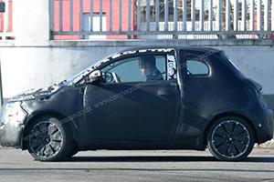 Nuova Fiat 500e avvistata a Torino: ecco le foto spia
