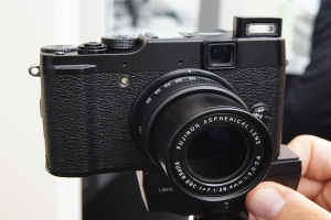 Fujifilm FinePix X10 dal vivo all'IFA