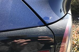 Tesla Model Y, prime foto dal vivo e imprecisioni nell'assemblaggio