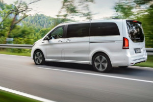 Mercedes-Benz presenta il suo minivan elettrico EQV a poco più di 71.000 €