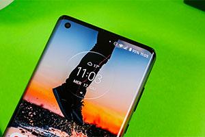 Motorola Edge+: ecco l'interfaccia grafica con Android 10