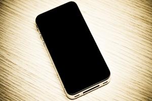 """iPhone 5, alcune """"possibili"""" immagini"""
