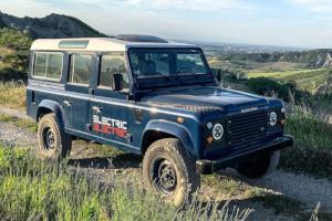 Land Rover Defender 110 elettrico: ecco la versione di Tazzari EV Technology