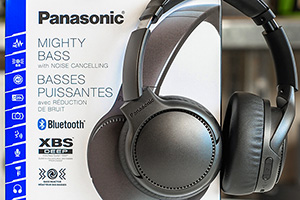 Panasonic RB-M700B: XBS Deep con Bass Reactor