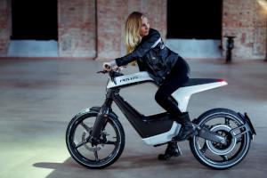 NOVUS, la moto elettrica compatta e leggera, tutta in fibra di carbonio