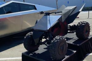 Il Tesla Cyberquad si mostra in alcune foto ravvicinate