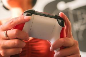 Nuovo Controller wireless per Xbox – Pulse Red