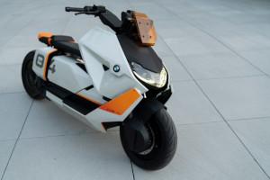 BMW, scooter elettrico CE 04