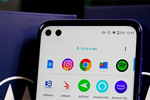 Motorola moto g100: ecco l'interfaccia grafica con Android 11