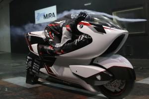 WMC250EV, la moto elettrica ''col buco''