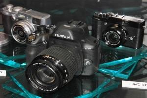 """Fujifilm FinePix X-S1: superzoom con sensore 2/3"""""""