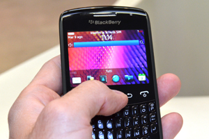 BlackBerry Curve 9360: attento al design