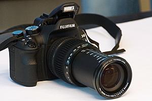 Fujifilm X-S1: il primo esemplare in Italia