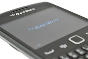 BlackBerry Curve 9360: buon design, ma batteria da migliorare