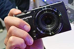 Olympus XZ-2: dal vivo al Photokina la sfida alle compatte premium