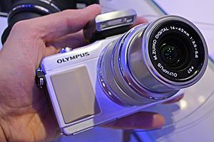Nuove Olympus PEN E-PL5 e PEN E-PM2 dal vivo a Photokina 2012