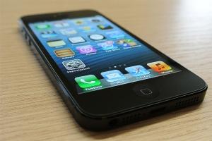 iPhone 5, il nuovo melafonino sfila in Hardware Upgrade