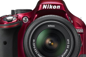 Nikon D5200: entry level evoluta da 24,1 megapixel