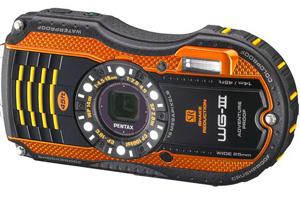Pentax: rugged anche con ricarica wireless