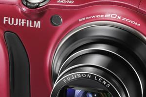 FinePix F850EXR: compatta con zoom 20x